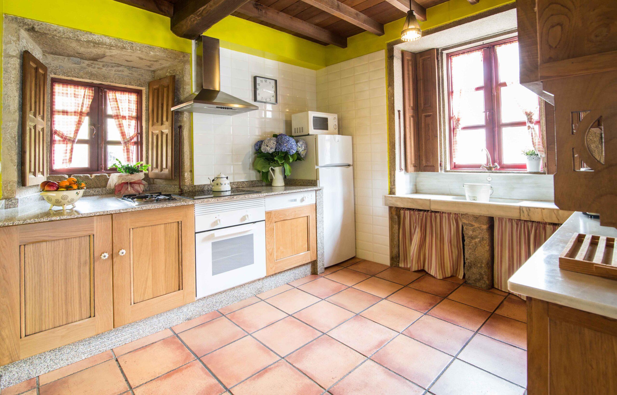 Alquiler casa completa -Cociña - Casa de Roque Turismo rural Galicia (Outes - Galicia)