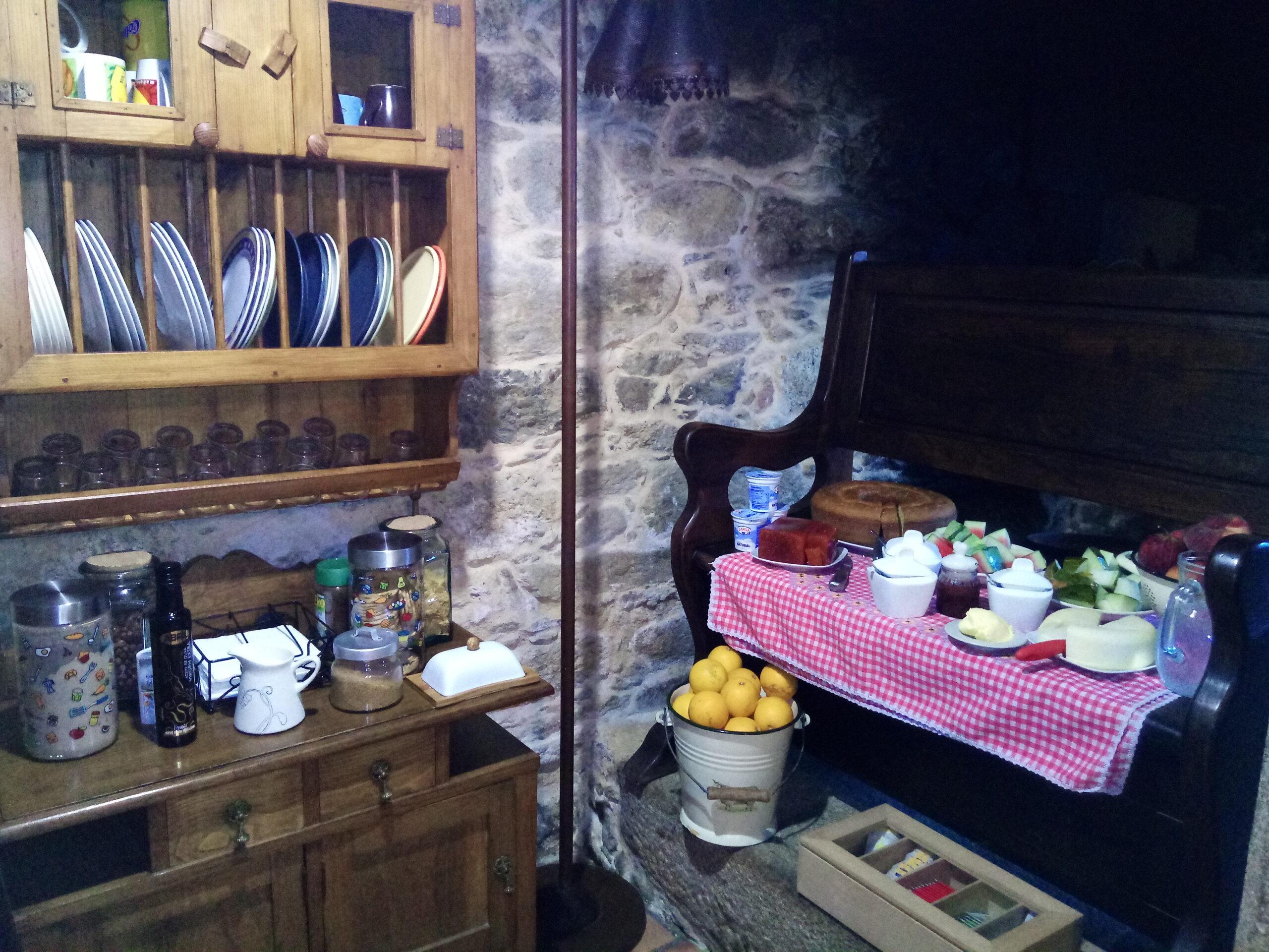 Buffet desayuno en Casa de Roque