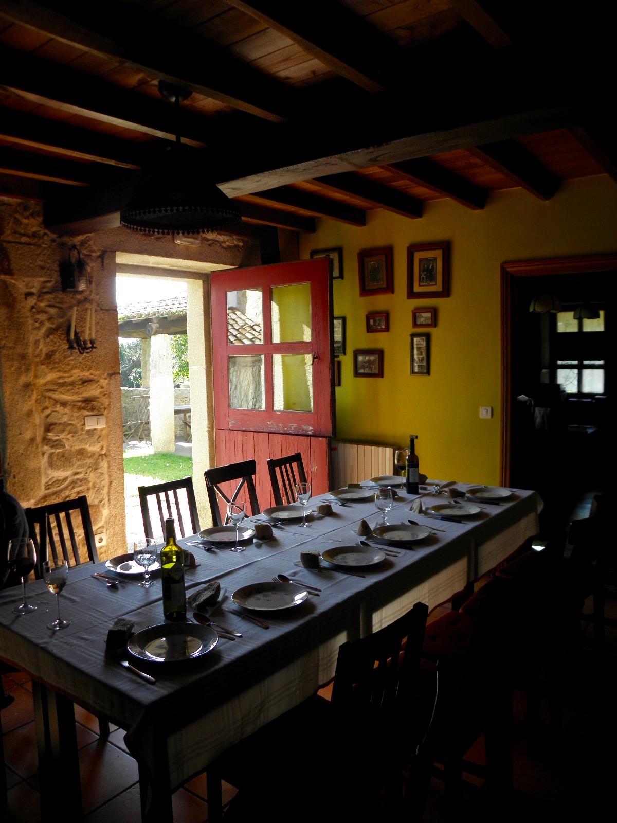 Casa Turismo Rural Casa de Roque - Mesa comedor Muros e Noia